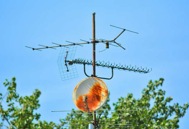 Quick Answer: Does Aluminum Foil Boost Antenna Signal?